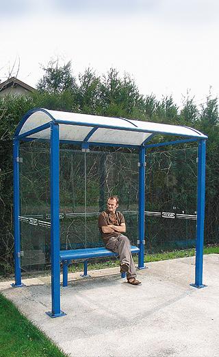 Stations-bus_poteaux_carres
